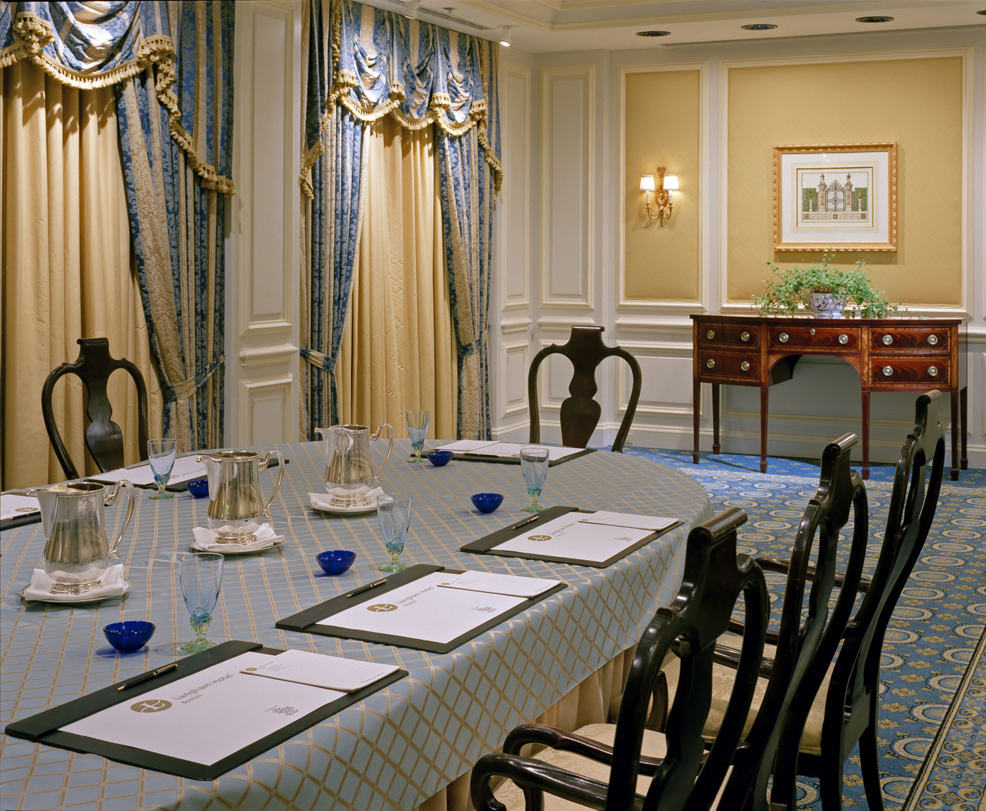 Classic Meeting Room, Interior Design by Kenneth E. Hurd & Associates